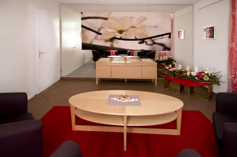 Ausstellungs und verkaufsraum nika innenarchitektur for 1 zu 20 innenarchitektur